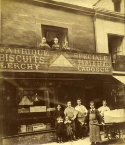 Patisserie Lerchy-Cadosch, 53, rue Saint-Aubin : devanture (vers 1885). Coll. Lerchy-Cadosch, Arch. Mun. d'Angers
